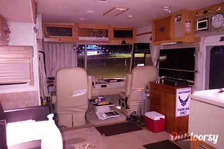 02005 Winnebago Voyage  Tullahoma, Tennessee