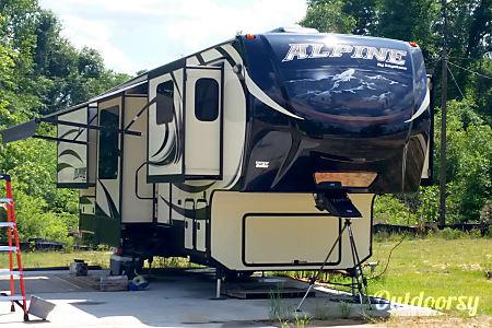 02014 Keystone Alpine  Northport, Alabama