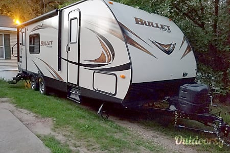 02014 Keystone Bullet Travel Trailer  Mitchell, South Dakota