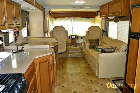 2014 Thor Motor Coach Hurricane  Mesa, Arizona