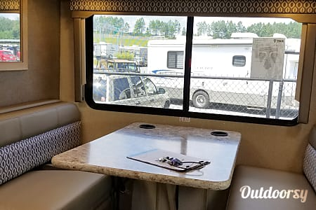 "2018 Thor Motor Coach Freedom Elite 22FE ""The tiny home""  Marietta, GA"