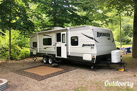 027' Prime Time Avenger Bunk House Trailer, Sleep up to 8  Cement City, MI