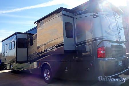 2015 Tiffin Motorhomes Allegro Red  Wentzville, Missouri