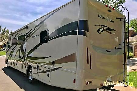 2015 Thor Motor Coach Windsport  Englewood, Colorado