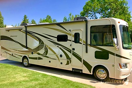 02015 Thor Motor Coach Windsport  Englewood, Colorado