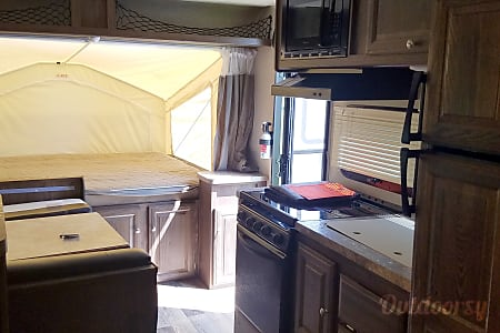 2016 Forest River Rockwood Roo  Greenfield, IN