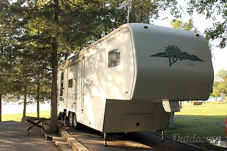 0Well Equiped 31' Ideal 5th Wheel  Nashville, Tennessee
