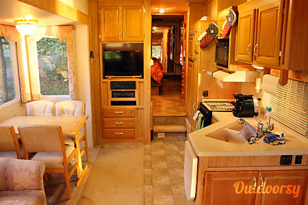 Well Equiped 31' Ideal 5th Wheel  Nashville, Tennessee