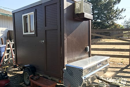 02017 Custom Camper  Rohnert Park, CA