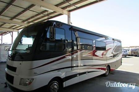 02011 Thor Motor Coach Serrano  Davenport, FL
