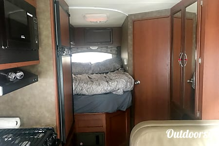 2013 Chateau 24' Class C  Puyallup, Washington