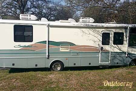 0Upgraded RV with 4 Adult Sized Bunks, Sleeps 8. Slide out.  Angels Camp, CA