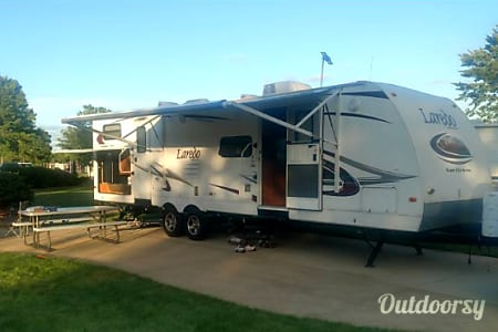 02010 Keystone Laredo  Brownstown Charter Township, MI