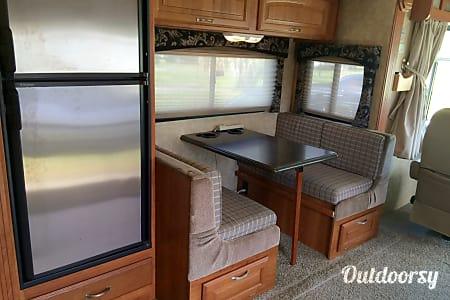 2009 Coachman Freedom Vision  DeLand, Florida