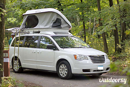 Camper minivan - Seats 5, Sleeps 4  Chicago, Illinois