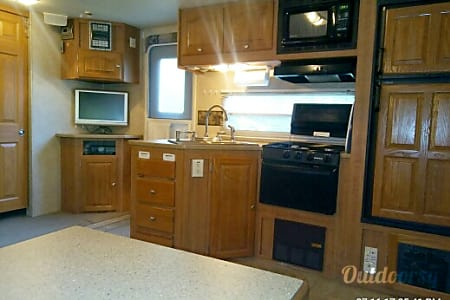 Final-Lee Here, 2007 Ultra Lite 31', Campsite included, 40 mi S of DC/Annap  Huntingtown, Maryland