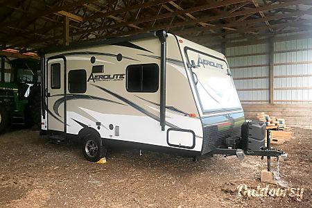 02017 Aerolite 174E Hybrid Travel Trailer  Coatesville, PA