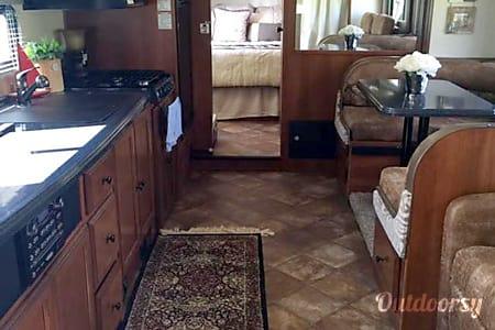 02013 Coachmen Leprechaun  Yukon, OK
