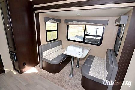 2016 Dutchmen Kodiak Express Ultra-Lite 223RBSL 23'  Hebron, Ohio