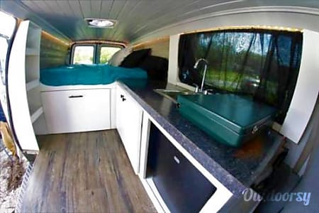 0Off-the-Grid Stealth Camper Van: Kitchen, Running Water, Bed, Storage, Electricity, Fan!  Burlington, Massachusetts