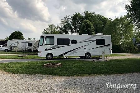 02007 Thor Motor Coach Hurricane  Monrovia, Indiana