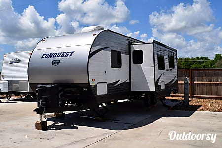 2017 Gulf Stream Conquest (31')  Sweeny, Texas