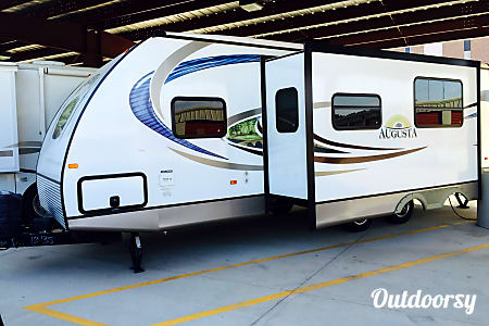 02013 Augusta Rv 28BH (Delivery Available)  Shreveport, Louisiana