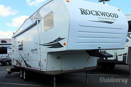 2008 Forest River Rockwood Signature Ultra Lite  Haverhill, Florida