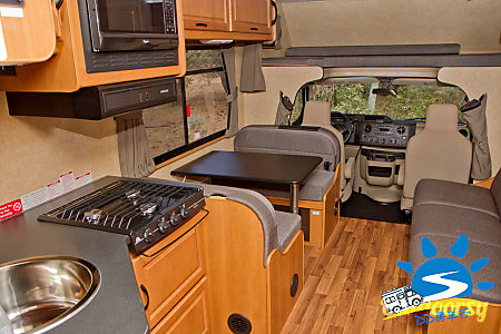 30' Ford E450  Everett, WA