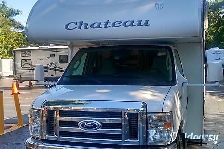 Class C Thor Chateau 31' - Sleep 6  Dania Beach, Florida