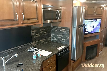 2018 Holiday Rambler Vacationer XE 32A  Ormond Beach, Florida