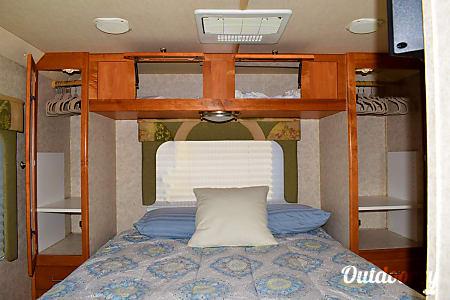 🚐  2006 Gulf Stream Endura - Treat Yourself to an Adventure  in Style & Safety  Gilbert, AZ