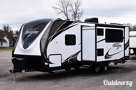 0BRAND NEW 2018 IMAGINE COACH: DELIVERED RIGHT TO YOUR NEXT EVENT OR CAMPING SITE  Lake Oswego, OR
