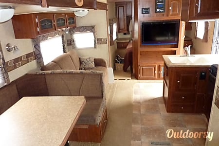 2012 Forest River Rockwood Signature Ultra  Plano, Texas