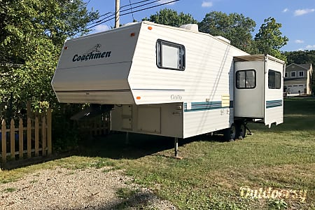 1996 Coachmen Catalina  Pinckney, Michigan