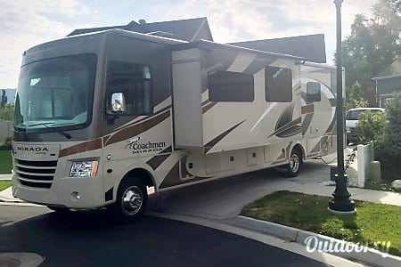 Beautiful 2017 Coachmen Mirada  Layton, Utah