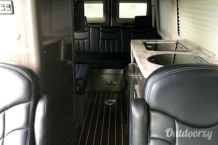 2014 Airstream Interstate  Tulsa, Oklahoma