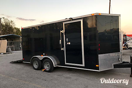 02015 16' Enclosed Trailer  Pflugerville, TX