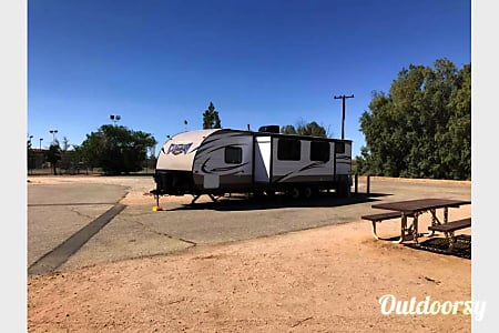 02018 Forest River Wildwood X-Lite  Lancaster, CA