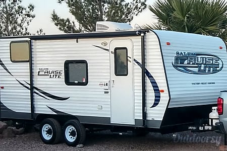 0Small, Lightweight, Travel Trailer Ready for all your Adventures.. Sleeps up to 5 comfortably and Tows Easily.. From $50 to $75 per Night..  Las Vegas, NV