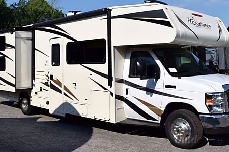 02017 Coachmen Freelander with bunk beds  Queens, NY