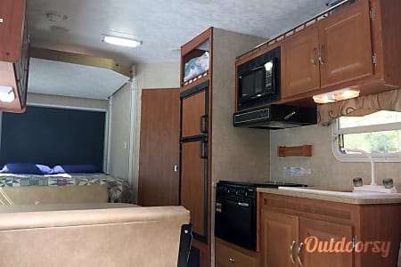 2008 Sandpiper 23' Toy Hauler-Bumper-Pull Travel Trailer  Cortez, Colorado