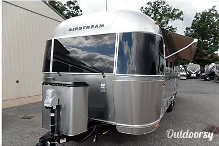 2017 Airstream International  Concord, New Hampshire