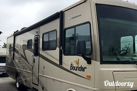 2008 Fleetwood Bounder 34G  Round Rock, TX