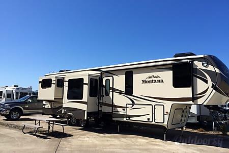 02015 Keystone Montana 3790RD  Loveland, CO
