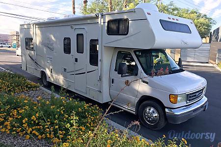 28 FT CLASS C RV SLEEPS 8 DRIVES LIKE A CAR NICK NAME (JENNY)  Las Vegas, Nevada