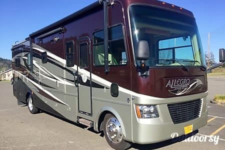 02011 Tiffin Motorhomes Allegro  Cornelius, Oregon
