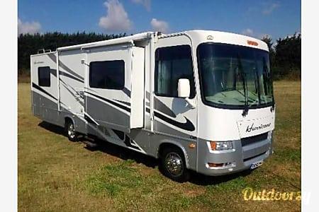 02006 Thor Motor Coach Hurricane  Kent, Washington
