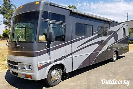 035' Winnebago RV  Clovis, California