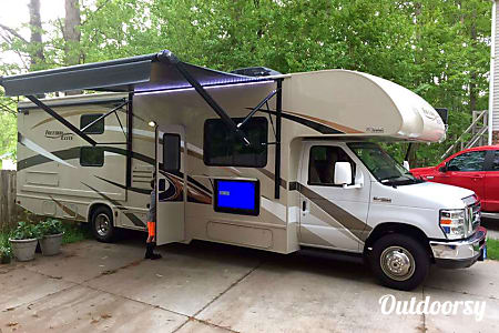 02017 Thor Motor Coach Freedom Elite  Kernersville, North Carolina